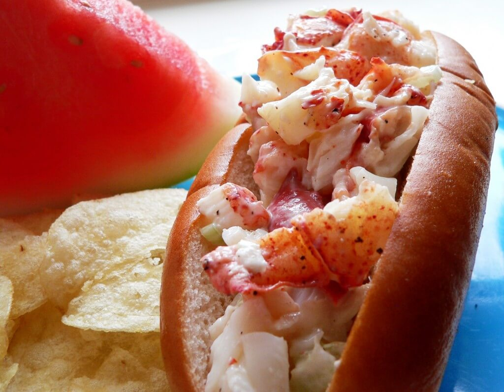 Linda Bean's Perfect Maine Lobster Roll - FreeportUSA