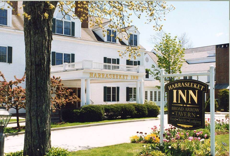 exterior of the harraseeket inn